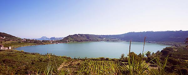 El Lago Averno