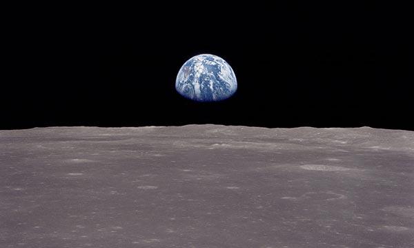 NASA: la Tierra vista desde el Apolo 11 orbitando sobre la Luna (1969)
