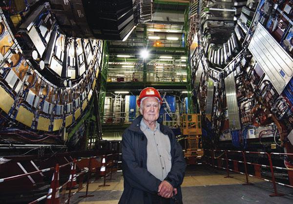 Peter Higgs en el acelerador de partículas (2008)