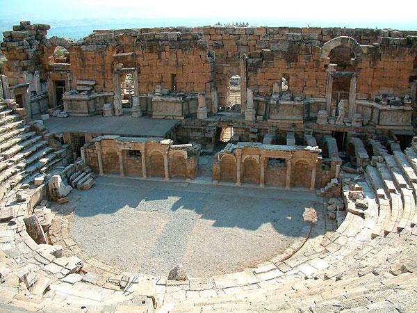 Hierápolis: teatro romano