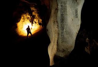 Yucatán: cueva con glifos mayas